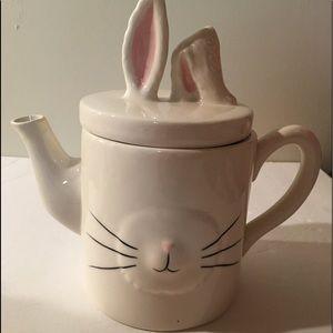 Magenta tea pot